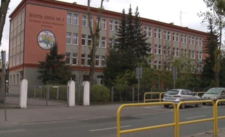 Księgowa ZS nr 7 w Toruniu przelewała szkolną kasę na swe konto