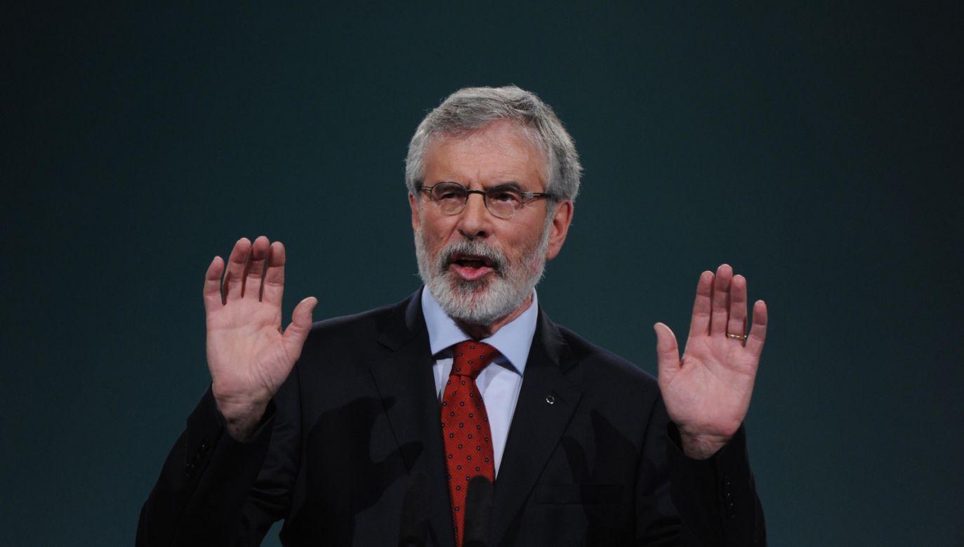 Adams przez prawie 50 lat był czołowym politykiem w Irlandii (fot. PAP/EPA/AIDAN CRAWLEY)