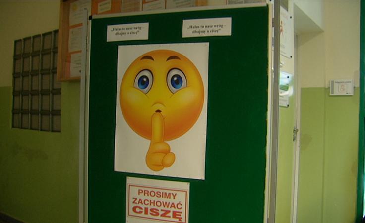 Strażnicy ciszy dbają o poziom decybeli w szkole
