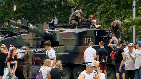 Podziękowania i rosomaki na Święcie Wojska Polskiego