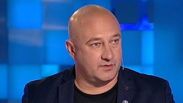 """Tadeusz Płużański, prezes fundacji """"Łączka"""" był gościem programu """"Minęła dwudziesta"""" (fot. TVP Info)"""