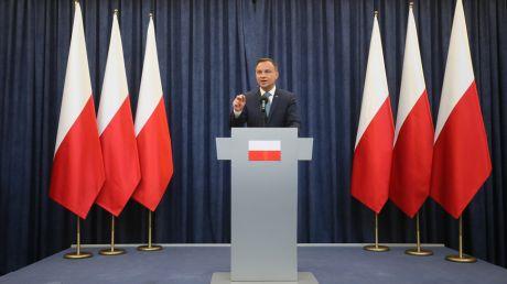 Prezydent Andrzej Duda wygłosił oświadczenie na temat reformy sądownictwa (fot. PAP/Paweł Supernak)