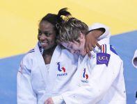 Gevrise Emane (z lewej) i Lucie Louette (fot.PAP/EPA)