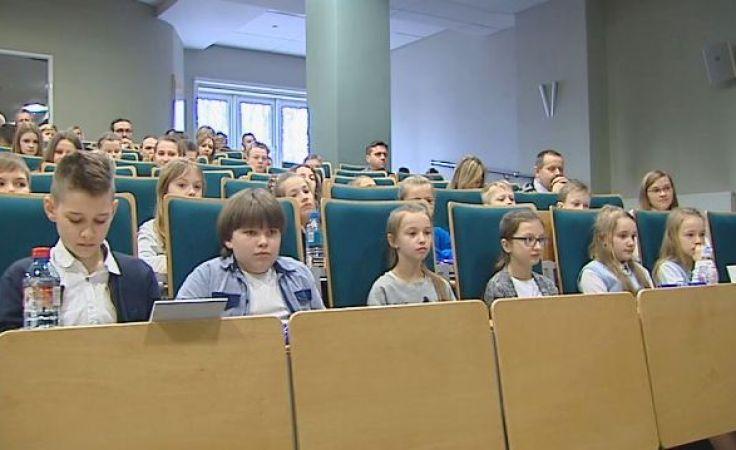 Mali studenci rozpoczęli naukę. Poznają szereg polskich odkryć