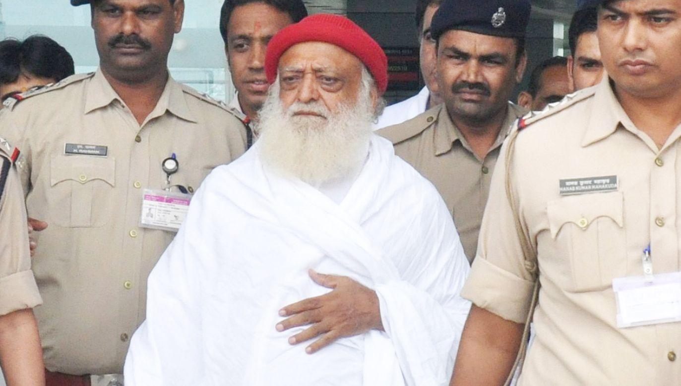 Przeciw 77-letniemu Asaramowi toczy się jeszcze drugi proces w sprawie gwałtu (fot. PAP/ EPA/SANJEEV GUPTA )
