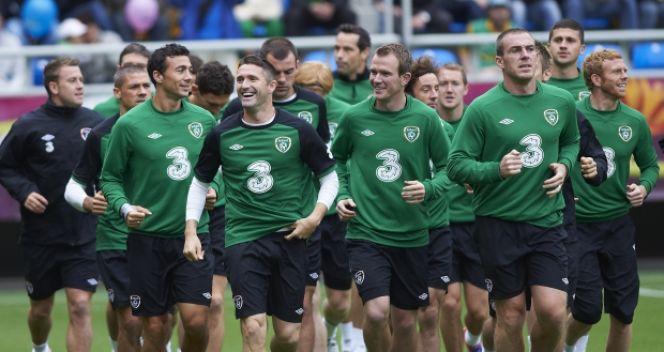 Piłkarze reprezentacji Irlandii podczas treningu w Gdyni (fot. PAP/Adam Warżawa)