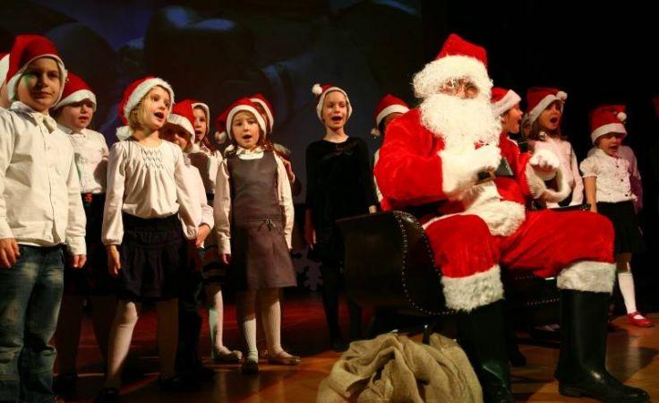 """Koncert świąteczny  """"Od seniora do juniora - tworzymy tradycję"""""""
