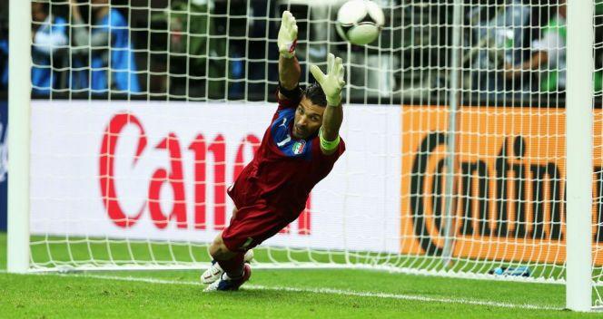 Gianluigi Buffon imponował we wszystkich meczach... oprócz finału (fot. Getty Images)