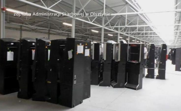 W sumie w budynkach wykryto co najmniej 7 tys. urządzeń do gier hazardowych