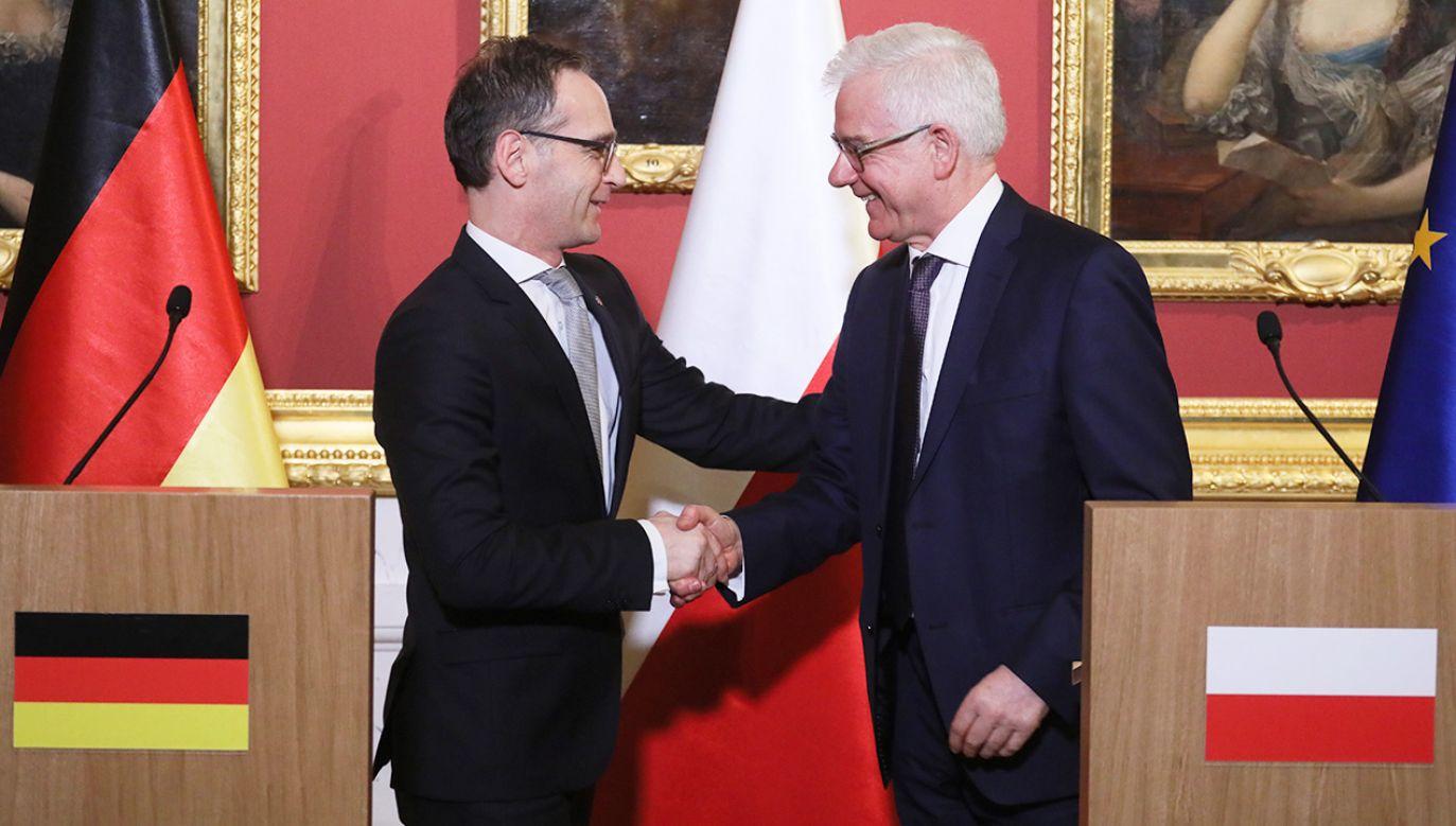 Minister Czaputowicz podczas wspólnej konferencji z szefem MSZ Niemiec Maasem (L) (fot. PAP/Paweł Supernak)