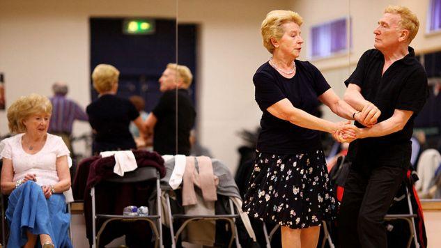 Seniorzy są coraz bardziej aktywną grupą społeczną (fot.Jeff J Mitchell/Getty Images)