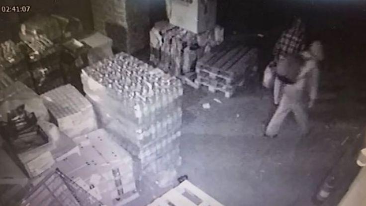 Policjanci przejrzeli zapis sklepowego monitoringu