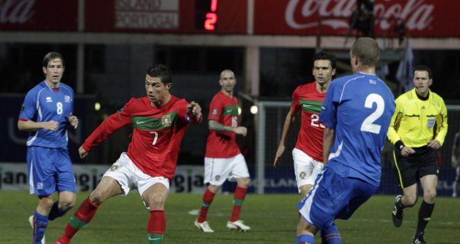 Cristiano Ronaldo zdobył jedną z bramek dla Portugalii w meczu z Islandią (fot.PAP/EPA)