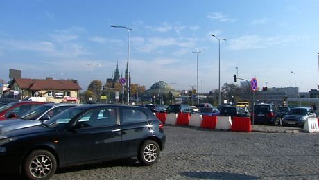 Dworzec autobusowy przed dworcem kolejowym