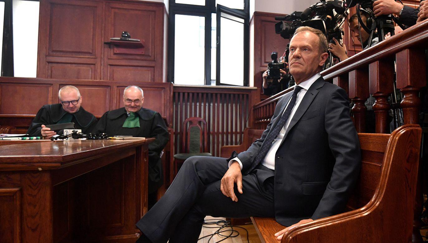 Były premier Donald Tusk składa zeznania przed sądem (fot. PAP/Bartłomiej Zborowski)