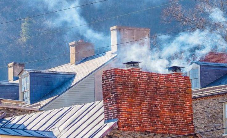 Straż Miejska sprawdza czy użytkownicy pieców nie zatruwają powietrza