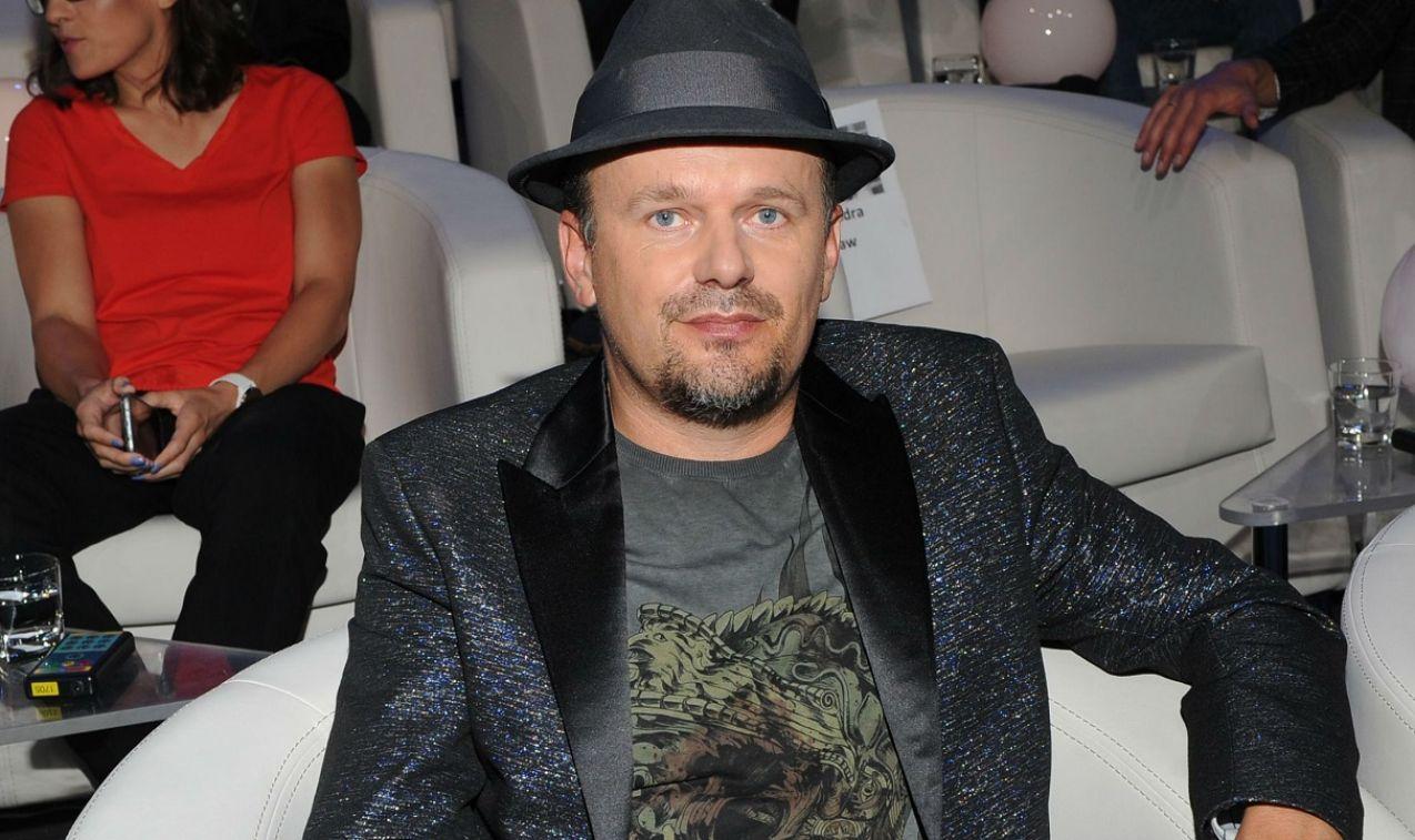 Krzysztof Kasowski śpiewająco odpowiadał na pytania (fot. Natasza Młudzik/TVP)