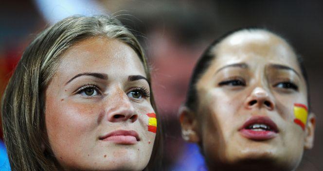 Hiszpanki na trybunach w Doniecku (fot. Getty Images)