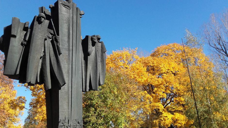 Święto zmarłych... Pamięci żołnierzy Września (fot. Kazimierz Martyniak)