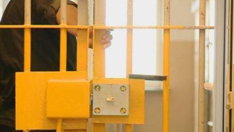 Damian D. został zatrzymany i przewieziony do policyjnego aresztu