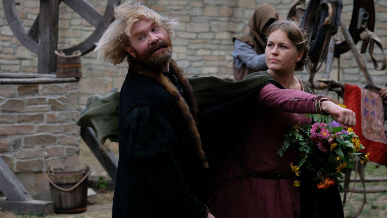 Gabija szybko informuje Mikołaja, że coś w tej relacji nie jest tak, jak być powinno (fot. TVP)