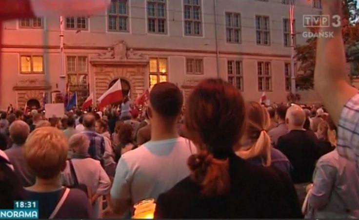 Protesty totalnej opozycji