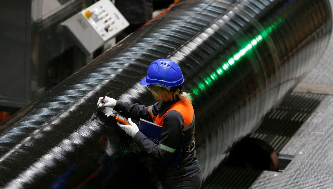 Produkcja rur dla Gazpromu w rosyjskiej firmie Zagorsk Pipe Plant (fot. REUTERS/Sergei Karpukhin)