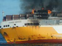 Luksusowe auta na dnie oceanu. Statek, który zatonął na Atlantyku, wiózł 37 porsche