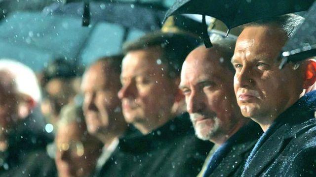 Portal tvp.info ujawnia kulisy sporu Andrzeja Dudy z Antonim Macierewiczem