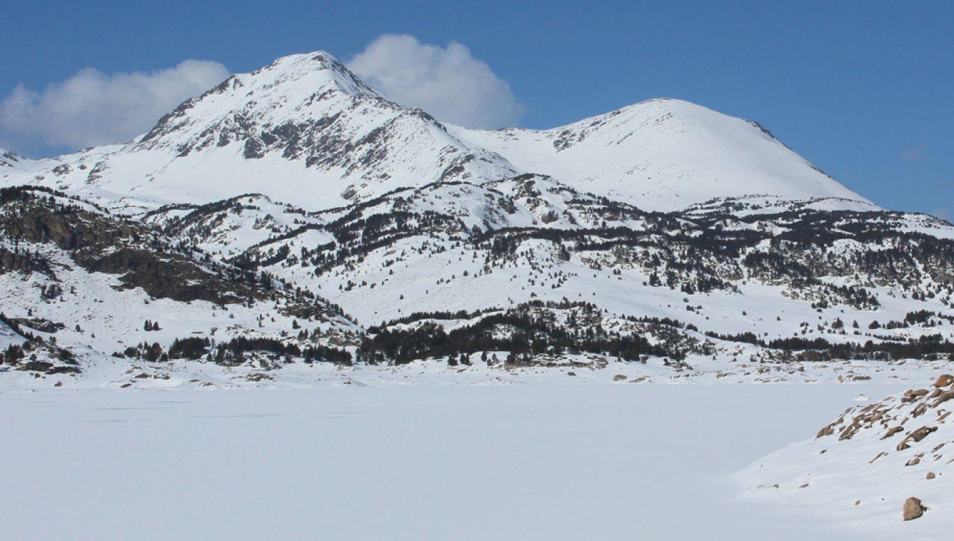 Według prefektury Wysokich-Pirenejów, masy śniegu zsunęły się w sposób naturalny (fot. Flickr/Laurent Lebois ©)