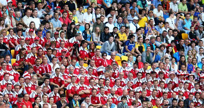 Duńscy kibice podczas meczu we Lwowie (fot. Getty Images)