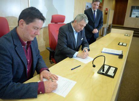 Podpisanie umowy współpracy z Instytutem Dziennikarstwa UJK