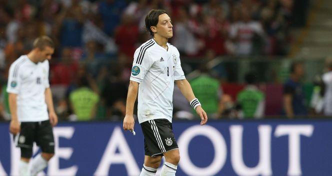 Mesut Oezil był zaskoczony obrotem sprawy na boisku (fot. Getty Images)