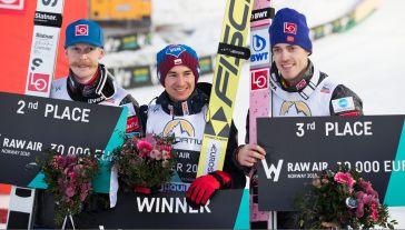 Robert Johansson, Kamil Stoch, Andreas Stjernen (fot. PAP/EPA/TERJE BENDIKSBY)