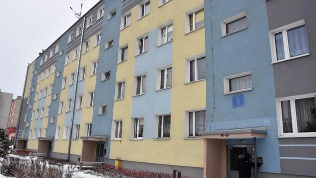 Do tragedii doszło w budynku przy ul. Grunwaldzkiej (fot. PAP/Tomasz Waszczuk)
