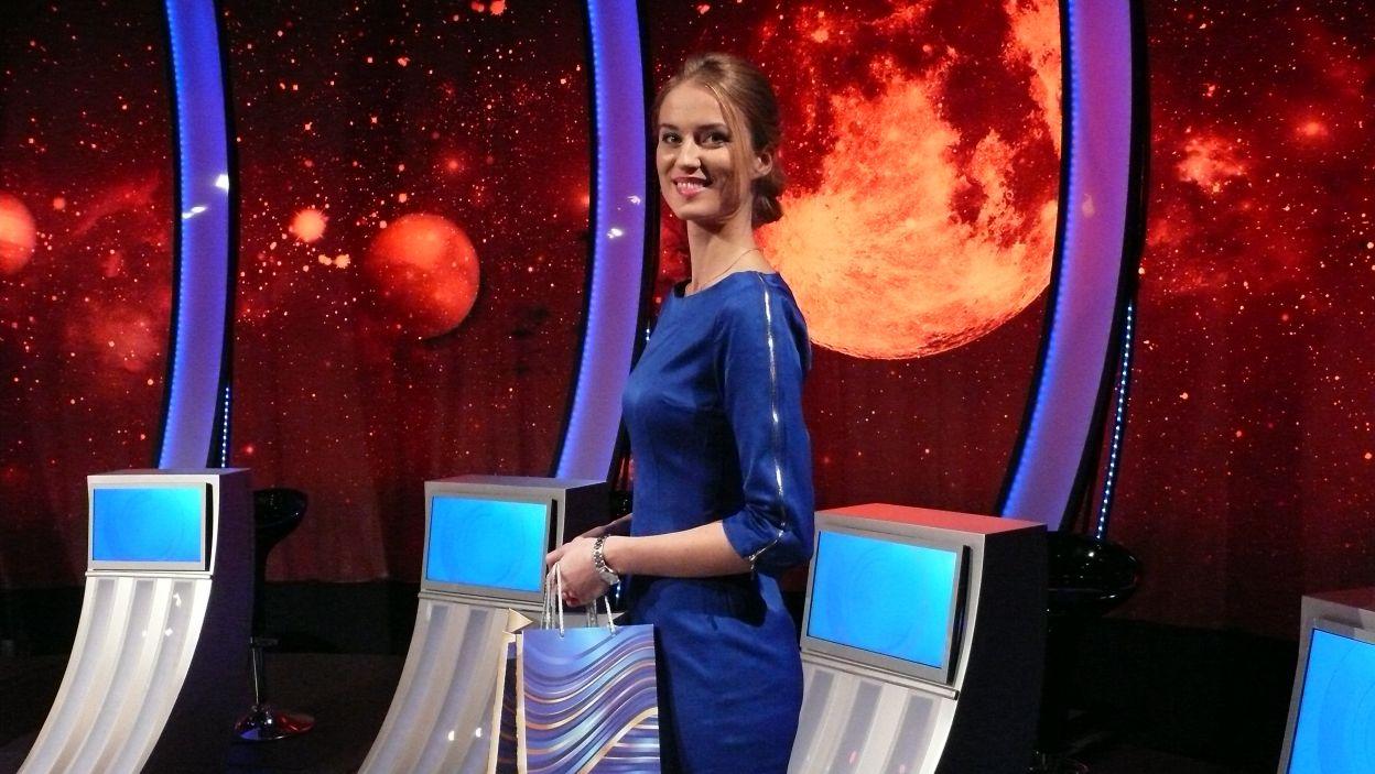 …a nagrody wręcza pani Sylwia (fot. TVP)