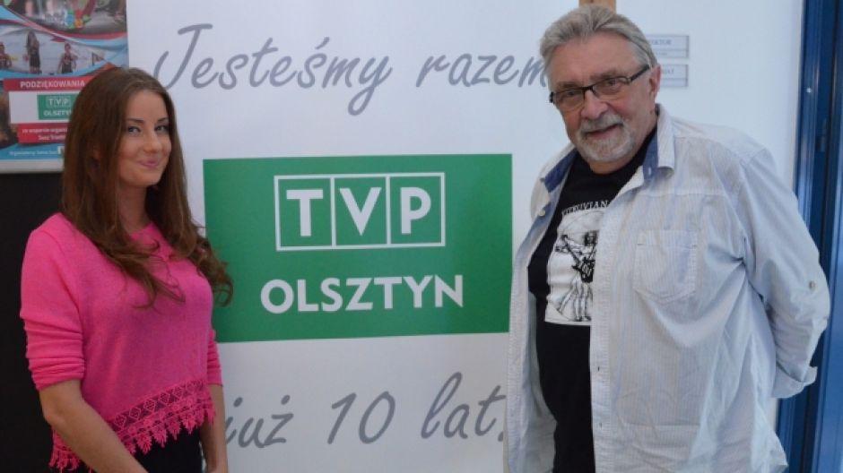 Marek Marcinkowski - dyrektor Miejskiego Ośrodka Kultury w Olsztynie oraz Sara Szymczak - wokalistka
