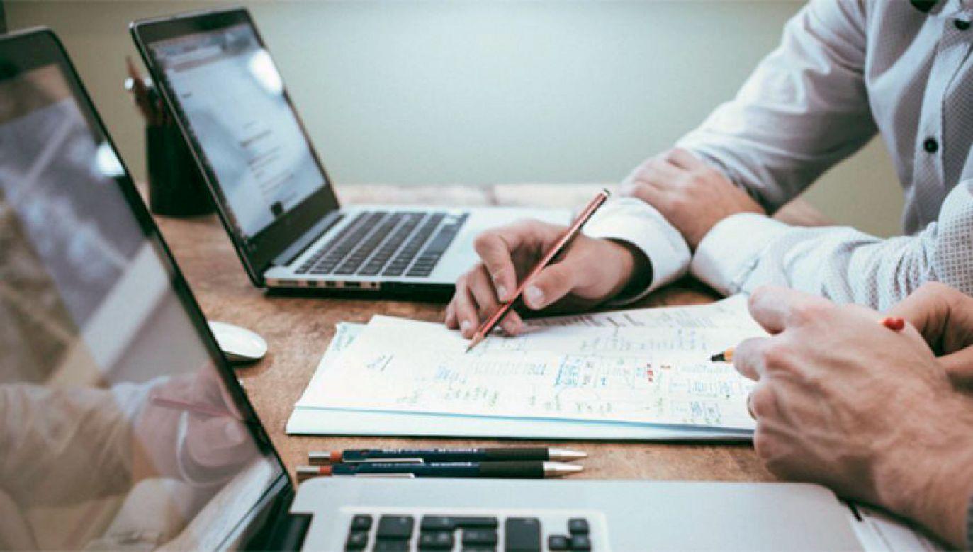 Podczas przejmowania obowiązków Emilewicz mówiła, że jednym z głównych zadań jej ministerstwa jest wzrost poziomu inwestycji, zwiększenie skali innowacyjności i wydatków na badania i rozwój (fot. Pixabay)