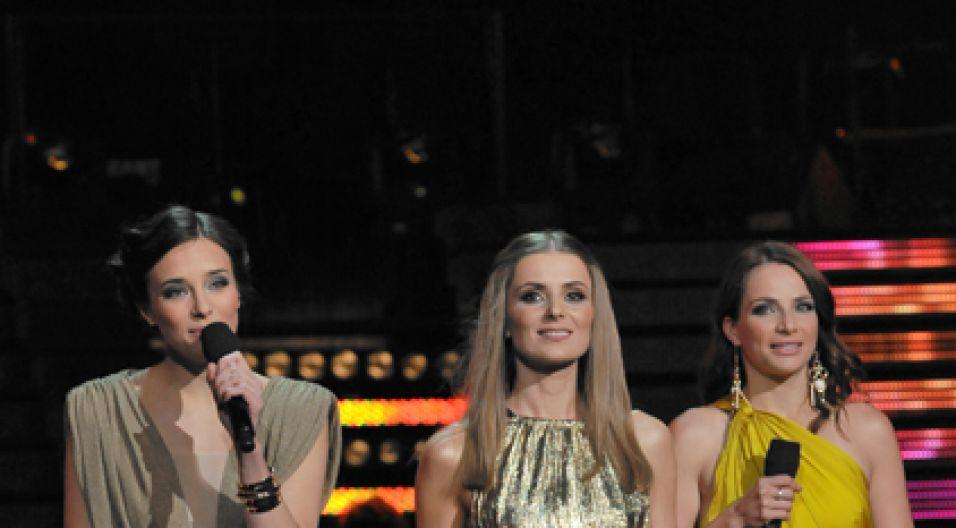 Trzy rozśpiewane prowadzące koncert SuperPremier (fot.I.Sobieszczuk/TVP)