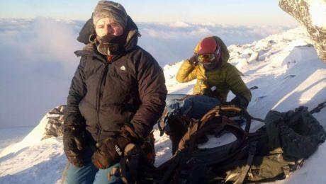 W drodze na szczyt - ekspedycja na skałach Pastuchowa ok. 5 rano (fot.facebook.com/kaukaz2018)