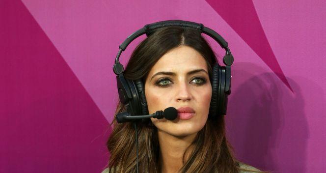 Sara Carbonero w pracy. Na co dzień dziewczyna Ikera Casillasa (fot. Getty)