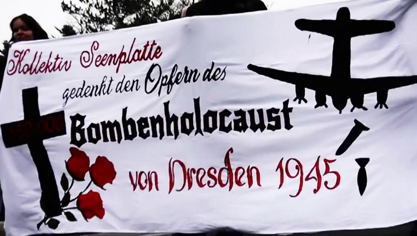 """""""Bombenholocaust"""" to od lat wspólny tytuł manifestacji w Dreźnie (fot. TVP info)"""