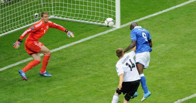 Mario Balotelli wyprowadził Włochów na prowadzenie (fot. Getty Images)