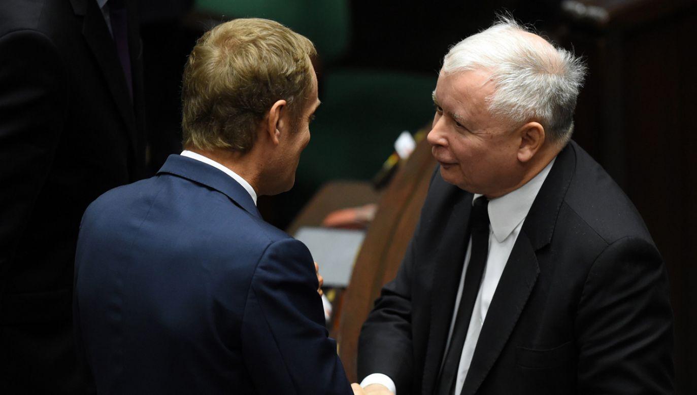 Donald Tusk w ostatnich tygodniach wyraźnie zmienia stanowisko w sprawie migrantów  (fot. arch. PAP/Radek Pietruszka)
