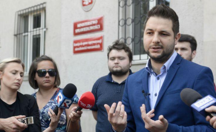 Wiceminister sprawiedliwości, kandydat Zjednoczonej Prawicy na prezydenta Warszawy Patryk Jaki. Fot: PAP/Jakub Kamiński