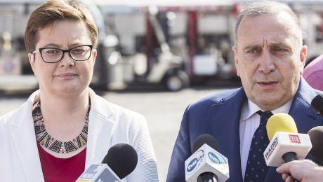 Lider Platformy Obywatelskiej powiedział, że decyzję należało podjąć ze względu na możliwość powołania koalicji z Nowoczesną (fot. PAP/Aleksander Koźmiński)