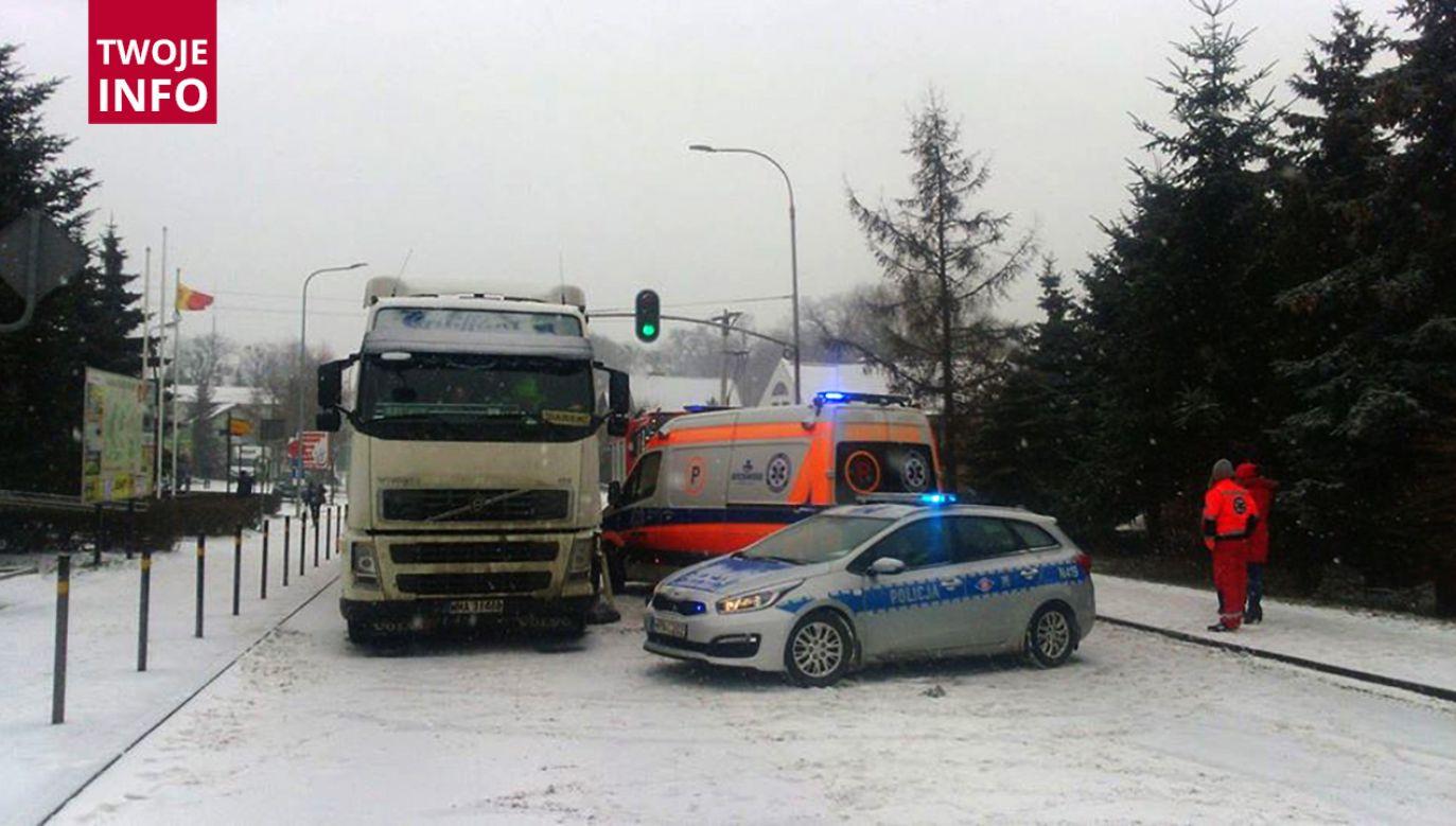 8-letnia dziewczynka została śmiertelnie potrącona przez ciężarówkę (fot. fb/polnocna.tv)