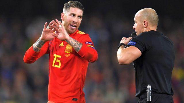 Anglia pokonała Hiszpanię. Trudne decyzje Marciniaka