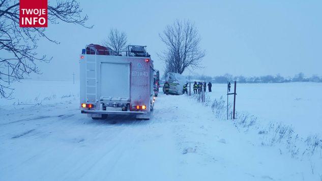 Wypadek autobusu z młodzieżą (fot.OSP w Liwie)