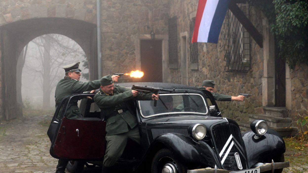 Inscenizacja porwania brytyjskich agentów przez Niemców... (fot. I. Sobieszczuk)